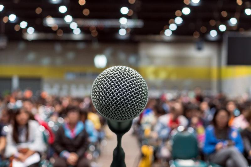 Communiquer avec aisance et prendre la parole en public